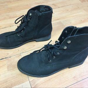 Madden Girl Black ankle boots 8.5 preworn